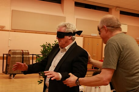 Rigoletto blindfolded